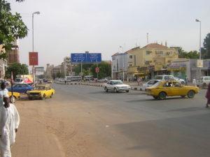 1280px-Al-Quasar_Street_(Khartoum)_001